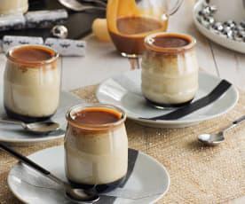 Flan de almendra con salsa de caramelo