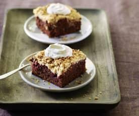 Schoko-Kirsch-Kuchen mit Amarettini-Streusel