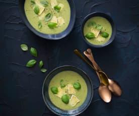 Zucchini, Brie and basil soup