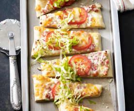 Pizza Bianco mit Speck und Endivie