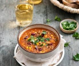 Zupa z czerwoną fasolą i mięsem mielonym