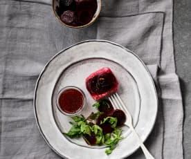 Medallones de merluza con remolacha y ensalada de rúcula