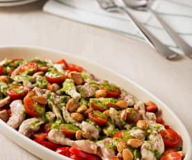 Ensalada de pimientos y pollo con almendras