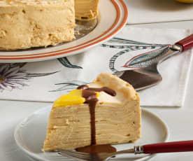 Pastel de crêpes con mousse de mango