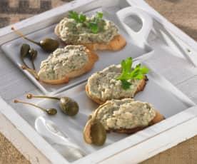 Bruschetta mit Bohnen-Kapern-Creme