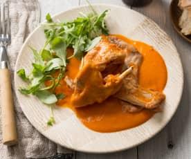 Conejo guisado en salsa de pimiento rojo