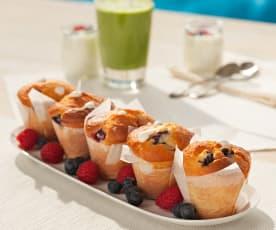 Muffins aux myrtilles, framboises et crème de yaourt