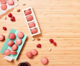 Macarons mit Marzipan-Himbeer-Füllung