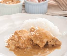 Pollo con mantequilla de cacahuete y leche de coco