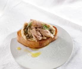 Bruschette mit Bohnen und Thunfisch