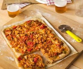 Pizza integral de pollo al ajillo y verduras