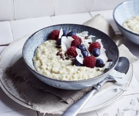 Kokos-Porridge mit Himbeeren