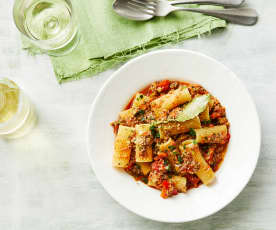 Paprika-Zucchini-Pasta