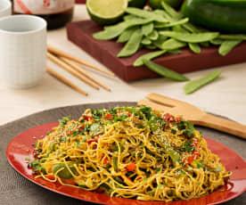 Fideos chinos con verduras al curry
