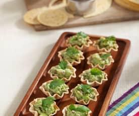 Tartaletas de tortilla con guacamole