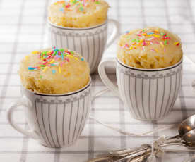Mug cake con chocolate blanco
