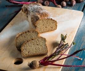 Rote-Rüben-Brot mit Mohn