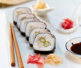 Sushi mit Schinken und Spargel