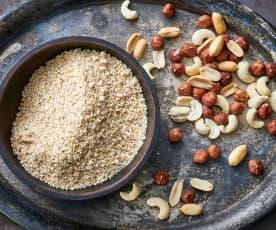 Noisettes, noix de cajou ou cacahuètes finement moulues (150-200 g)
