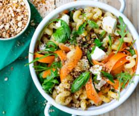 Salade de pâtes, carottes, crumble et chèvre