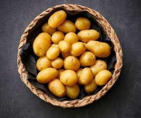 Cozer 300-600 g de batata nova