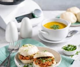 Zupa krem z batatów i cukinii; Bułki na parze z szarpanym kurczakiem