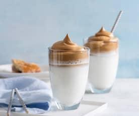 Dalgona coffe cold (mrożona kawa po koreańsku)
