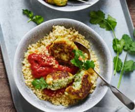 Orientalische Fischfrikadellen mit Tomatensauce und Couscous