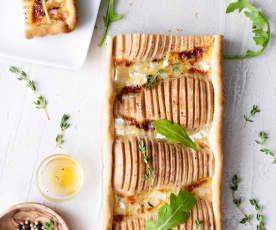Crostata salata con pere, Brie e prosciutto