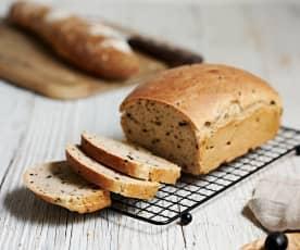 Pan de aceitunas con masa madre (fermento natural)