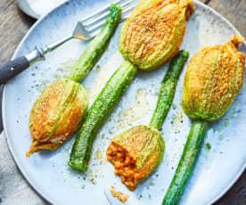 Gefüllte Zucchini-Blüten