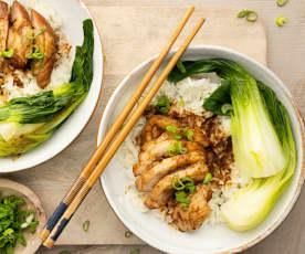 Pollo en salsa de soja con vegetales