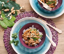Pollo thai con cacahuetes y arroz con coco (Tailandia)