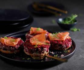 Cheesecake alle barbabietole con salmone affumicato