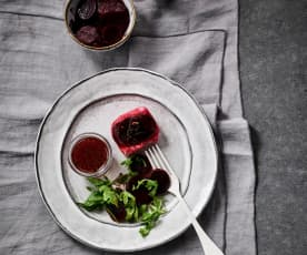 Seehecht-Medaillons mit Rote-Bete-Rucola-Salat