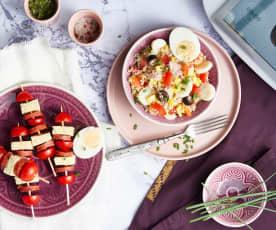 Salade composée et banderilles de tortilla
