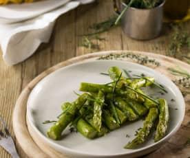 Contorno di asparagi alle erbe aromatiche sottovuoto