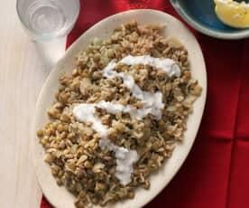 Linsen und Reis mit frittierten Zwiebeln (Mujadarrah)