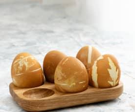 Huevos de color marrón