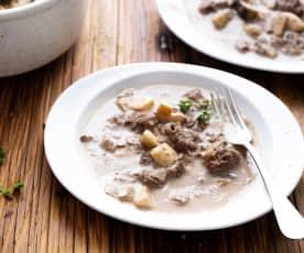 Spezzatino di manzo a Cottura Lenta con salsa ai funghi