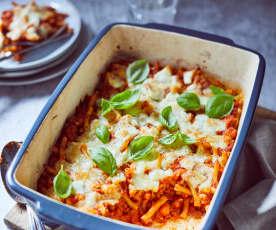 Nudelauflauf mit Salsiccia und Mozzarella