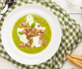 Gazpacho di zucchine con stracciatella e guanciale