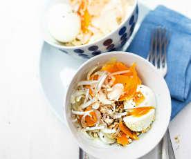 Salade d'endives à la mimolette et œuf poché