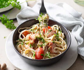 Espaguetis con bechamel, pulpo y cherrys