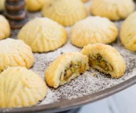 Stuffed semolina cookies (ma'amoul)