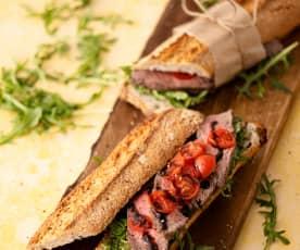 Baguette con salsa de ternera y hierbas