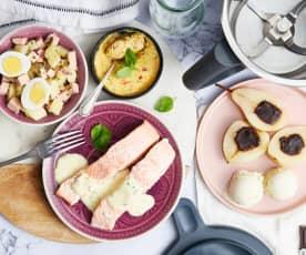 Salade pommes de terre, pavé de saumon, flan de légumes et poires au chocolat