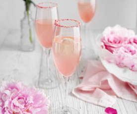 Bezalkoholowy różowy drink (Virgin pink mimosa)