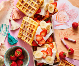 Waffel-Eis-Sandwiches mit Früchten