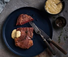 Sous-vide Rare Beef Steak with Béarnaise Sauce